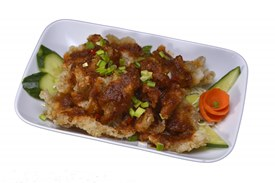 Crispy fish with garlic or chilli toppings